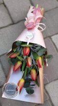 díszített tulipán csokor