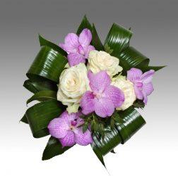 Orchideás rózsacsokor